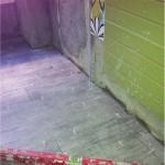 alicatado-horizontal-verde-cenefa-flores-suelo-laminado