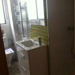 detalle-aseo-lavabo-toallero-reforma-terminada