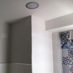 detalle-iluminacion-techo-cocina-pequeña-reforma-obra