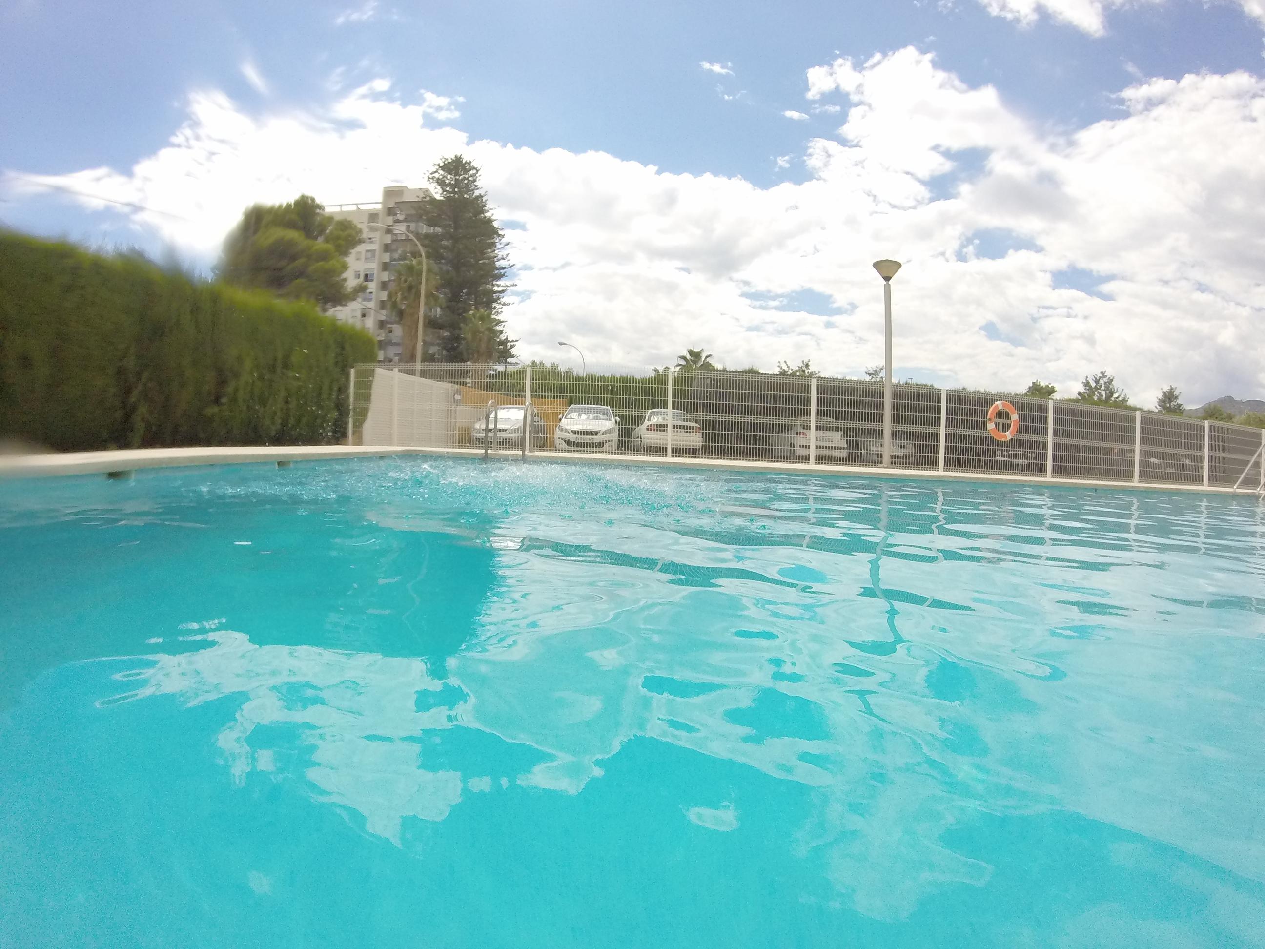 Piscinas agua salada i esarquitectos for Deycon piscinas sa